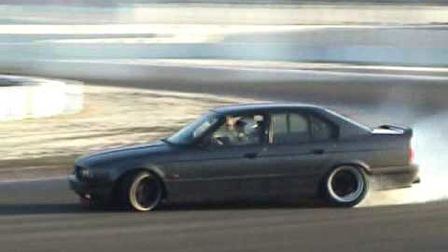 BMW E34 M5 drift