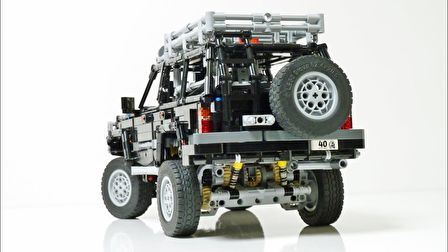 LEGO Technic Toyota Land Cruiser 80