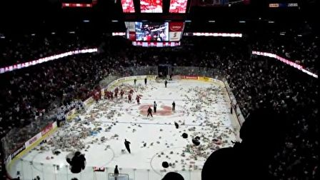2010 Calgary Hitmen Teddy Bear Toss - Hitmen vs. Rebels